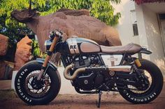 Check Out This Insane Custom Royal Enfield Interceptor 650 By Bulleteer Customs! Buell Cafe Racer, Cafe Racer Motorcycle, Motorcycle Design, Motorcycle Style, Motorcycle Girls, Bullet Bike Royal Enfield, Royal Enfield Modified, Enfield Himalayan, Womens Motorcycle Helmets