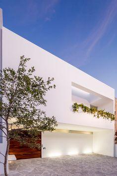 V House, Mexico by Abraham Cota Paredes Arquitectos