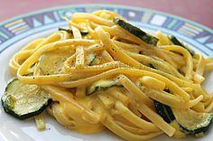 Pasta zucchine e crema allo zafferano