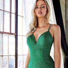 Dealing with Envy 💚 #CinderellaDivine Dress Code: CB049  #sweetenedbycc •  #shopcouturecandy #weddingdressshopping #prom #promdress #wedding #dresses #fashiondresses #weddingdress #gown #missuniverse #eveningdresses #eveninggowns #promdresses #fashionista #bridalgown #style #eveningdress #ballgown #hautecouture #eveninggown #dressdetails #couturegowns #dress #fashion #fashiondesigner #sequindress #prom2021 #redcarpetfashion Wedding Dress Shopping, Wedding Dresses, Sequin Dress, Bodycon Dress, Pageant Dresses, Red Carpet Fashion, Dress Codes, Dress Fashion, Sexy Lingerie