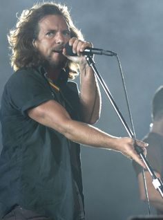 "pjwhatelse: "" pendulumthrows: "" Pearl Jam opening for U2 in Hawaii December 9th 2006 He looks fricking amazing right? "" Yup "" I think this lately Hawaiian 2006 frenzy around here could be the new Italia 2006."