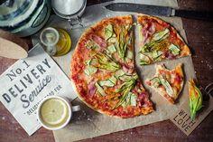 http://pieprzczywanilia.blogspot.com/2014/09/ukwiecona-pizza.html