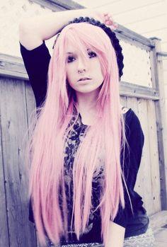 Pastel pink hair, monroe, seltum piercing