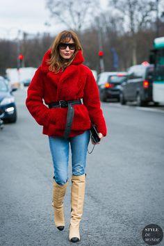 Paris Fashion Week Fall 2017 Street Style: Ece Sukan