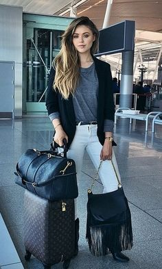 Boarding for Los Angeles! Wearing my favorite new black fringe bag from ✈️ Black Fringe Bag, Fringe Bags, Airport Chic, Airport Style, Airport Fashion, Trendy Outfits, Summer Outfits, Travel Attire, Flight Outfit