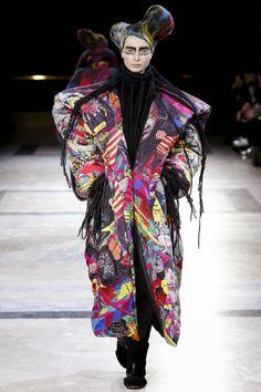 Yohji Yamamoto - Outono e Inverno 2014/15 - Paris Fashion week. Comportamento & Moda: World News Yohji Yamamoto - Womens Fall/Winter 201...