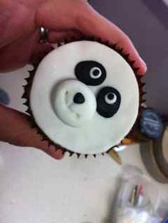 how to make panda cupcakes: Bronnie Bakes - lots of tutorials and recipes on her website!