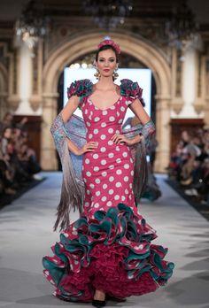 Prom Dresses, Formal Dresses, Fishtail, Dress Patterns, Beautiful Dresses, Natural Hair Styles, Fashion Dresses, Textiles, Flamenco Dresses