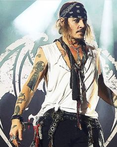Young Johnny Depp, Johnny Depp Movies, The Hollywood Vampires, Jonny Deep, Jack Sparrow, Hot Actors, Captain Jack, Pirates Of The Caribbean, Celebrity Crush