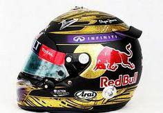 10-Dec-2013 8:31 - RECORDOPBRENGST HELM SEBASTIAN VETTEL. Een gesigneerde helm van Sebastian Vettel heeft maandagavond een recordopbrengst opgeleverd tijdens een liefdadigheidsveiling in het Britse Oxford. Een onbekende koper was bereid maar liefst 86.000 euro neer te tellen voor de helm van de viervoudig wereldkampioen formule 1, meldt BBC News. De Duitse coureur droeg de door Arai-ontworpen helm tijdens zijn overwinning in de Grote Prijs van Duitsland afgelopen juli. Het was overigens...