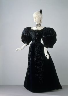 Evening Dress, 1894, The Victoria & Albert Museum