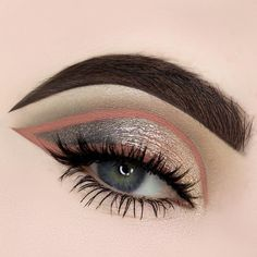 "2,459 Likes, 15 Comments - MAKE UP FOR EVER OFFICIAL (@makeupforeverofficial) on Instagram: ""🌅 Goregous mix of colours in this cut crease eyelook by #mua @beautybypaisley 🌅 Created using…"""