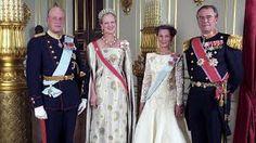 1992, det danske dronningparet på statsbesøk i Norge, Dronning Sonja  med dronning Mauds perle- og diamanttiara.