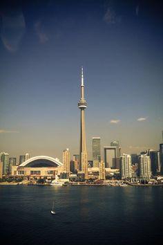 Toronto | lauraebarns.com