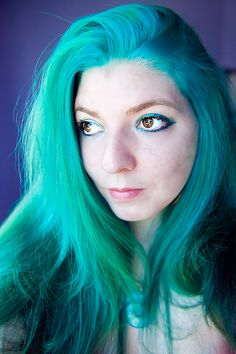 """hairbylizzy:  """"You know your hair?""""""""I know of it…""""""""It's all blueeee…."""" Well, more tealish, anyway. For the darker areas, I mixed Manic Panic..."""