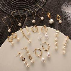 Gold Heart Stud Earrings/ Minimalist Earrings/ Heart Earrings/ Rose Gold Earrings/ Gift for Her/ Dainty Earrings/ Graduation Gift - Fine Jewelry Ideas Pearl Stud Earrings, Pearl Studs, Pearl Jewelry, Crystal Earrings, Crystal Jewelry, Silver Earrings, Fine Jewelry, Skull Jewelry, Hippie Jewelry