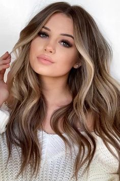 Long Wavy Ash-Brown Balayage - 20 Light Brown Hair Color Ideas for Your New Look - The Trending Hairstyle Brown Hair With Blonde Highlights, Brown Hair Balayage, Hair Color Balayage, Hair Highlights, Bayalage, Brown Hair With Blonde Lowlights, Shades Of Brown Hair, Light Brown Hair Colors, Light Brown Ombre Hair