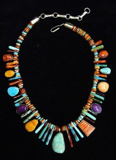 Mixed treasure necklace with Kingman turquoise - possibly Navajo - possibly by Davida Lister, sold by the Turquoise Tortoise, Sedona. Turquoise, sugilite, other stones. Tribal Jewelry, Turquoise Jewelry, Indian Jewelry, Boho Jewelry, Jewelry Crafts, Jewelry Art, Beaded Jewelry, Silver Jewelry, Jewelry Necklaces