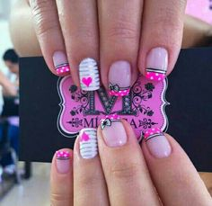 Ideas Birthday Nails White Nailart For 2019 Funky Nail Art, Funky Nails, Cute Nail Art, Trendy Nails, Fondant Flower Cupcakes, Pink Cupcakes, Hot Pink Nails, White Nails, Birthday Nail Art
