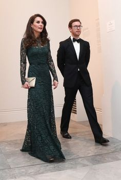 Kate Middleton Photos - Catherine, Duchess of Cambridge arrives to attend the 2017 Portrait Gala at the National Portrait Gallery on March 2017 in London, Britain. - The Duchess of Cambridge Attends the Portrait Gala 2017 Moda Kate Middleton, Style Kate Middleton, The Duchess, Duchess Of Cambridge, Princess Kate, Windsor, Duchesse Kate, Prinz Philip, Style Royal