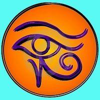 """El Ojo de Horus. En el Antiguo Egipto, era considerado un amuleto de los más poderosos: potenciaba la vista, protegía y curaba las enfermedades oculares, contrarrestaba los efectos del """"mal de ojo"""". Como talismán simboliza la salud, la prosperidad, la indestructibilidad del cuerpo y la capacidad de renacer."""