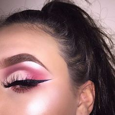 This look is actually red not pink  Eyebrows @anastasiabeverlyhills brow pro palette  Eyeshadow @morphebrushes 35B & 35C  Liner @nyxcosmetics black liquid liner Foundation @anastasiabeverlyhills foundation stick warm neutral Concealer @anastasiabeverlyhills contour cream kit Contour @katvondbeauty shade & light  Glow @maccosmetics soft & gentle, @anastasiabeverlyhills gleam glow kit Lashes @amberroselashes amber lashes use my code EMMAMCPHERSON for money off.  __ #anastasiabeverlyhills…