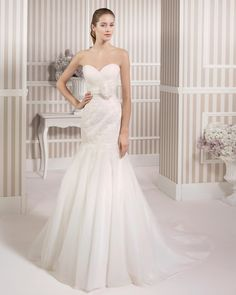 8S129 LEA | Wedding Dresses | 2015 Collection | Luna Novias
