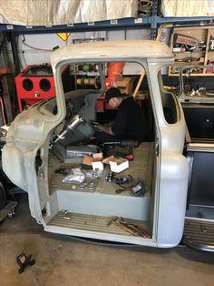 Custom Metal Fabrication, Old Pickup, Chevy Pickups, Custom Trucks, Slammed, Chevy Trucks, Hot Rods, Goat, Porsche
