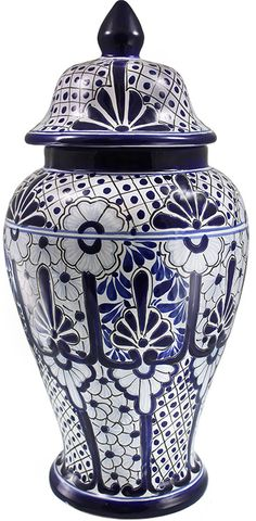 obsessed with these blue and white ceramic decor vases :)