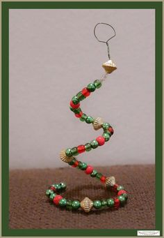 Günstige Anhänger aus Perlen für den Weihnachtsbaum mit Kindern basteln, Weihnachtsbaumschmuck und Geschenkanhänger basteln. Weihnachtliche  Bastelidee für Kinder **by: www.missmommypenyy.de ** Christmastree Pearl Ornaments craft idea, DIY Christmas Ornaments, great x-mas DIY craft Project for kids