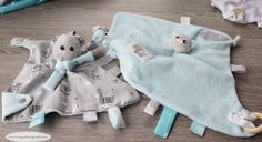 Le tuto rigolo : les petites trousses zip itself - Huguette Huguette Dou Dou, New Years Eve Party, Sewing Projects, Kids, Women, Angles, Scrappy Quilts, Baby Sewing, Totes