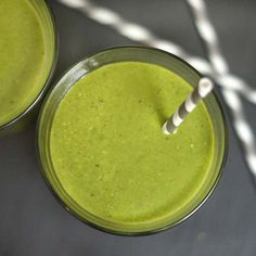 Green Lactation Smoothie | Detoxinista