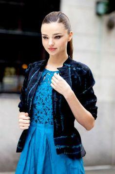 Mavi elbise kombinleri