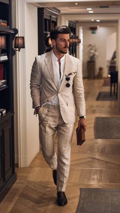 5 Dapper formele outfits om te droll over Mens Casual Suits, Mens Fashion Suits, Mens Suits, Linen Suits For Men, Casual Grooms, Mens Linen Outfits, Mens Tux, Casual Groom Attire, Mens Dress Outfits