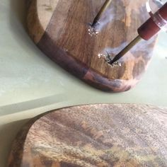 I'm creating a fractal burn on a serving board in this video Fractal Art, Fractals, Rock Decor, Wine Stoppers, Rock Crafts, Resin Art, Pyrography, Butcher Block Cutting Board, Wood Burning