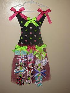 Tutu Hairbow Holder Tutorial - I am soooooo making one of these for Bella's room!