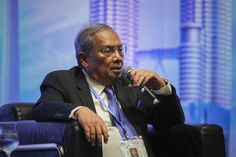 Chief Minister of Sarawak Tan Sri Adenan Satem said the state government believes in consultation, not confrontation, to resolve any issues between the state and federal governments. ― Picture by Yusof Mat Isa