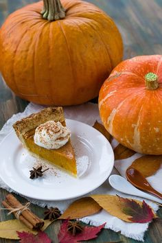 This dairy-free keto pumpkin pie is delicious and really hits the spot at Thanksgiving! Your guests will be so excited to see this on the table! Dairy Free Pumpkin Pie, Vegan Pumpkin Pie, Pumpkin Dessert, Pumpkin Spice, Pumpkin Oatmeal, Pumpkin Pumpkin, Pumpkin Pancakes, Pumpkin Cookies, Healthy Pumpkin