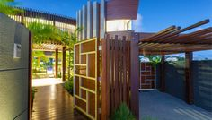 Noosa Waters Tropical House