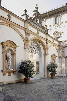 Cortile di Palazzo Lascaris, Turin - Italy