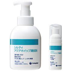 """シルティ アクアホイップ清拭料 天然保湿成分(シルクプロテイン「セリシン」、植物エキス)を配合し、肌をやさしく保湿洗浄/保湿清拭できる洗い流し不要の新しい洗浄料です。洗浄力と保湿力優れ、脆弱な皮膚を洗浄しながら、保湿します。また油分を含まないので、粘着剤使用前のお肌をはじめ、幅広い用途でお使いいただけます。 残すのは""""やさしさ""""だけ。シルクプロテイン「セリシン」配合。脆弱なお肌のスキンケアに。"""