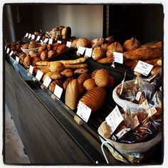 Bakery in Tokyo, Tokyo Bread Display, Bakery Display, Bakery Shop Design, Bakery Interior, Our Daily Bread, Bakery Cafe, Deli, Bread Recipes, Coffee Shop