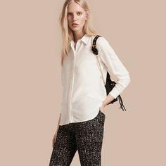 Burberry Camisa de seda com colarinho de renda Branco