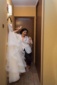 3 Motive pentru a avea fotograf la pregatirea mirilor. Fotografiile de la pregatiri sunt un prim pas in crearea povestii voastre de nunta. FotoTime.ro