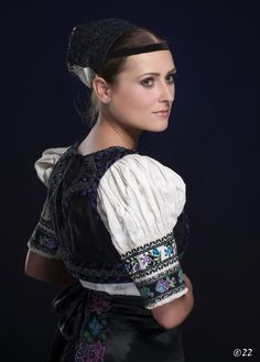 Folk costume from Pliešovce in Slovakia Costumes Around The World, Folk Embroidery, Beautiful Costumes, Folk Costume, Pictures To Paint, Beautiful People, Culture, Dresses