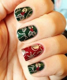 Gold, green and red glitter christmas nails christmas present nails, xmas n Christmas Present Nails, Xmas Nails, Christmas Nails, Fun Nails, Christmas Ideas, Merry Christmas, Christmas Nail Art Designs, Holiday Nail Art, Really Cute Nails