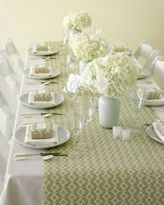 how did i never think of this. Wrapping paper table runner. Easy, cheap and disposable for holiday dinners