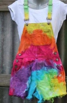 Colorful overall shorts overall shorts, tie dye skirt, overalls, apron, pinafore dress Girls Fashion Clothes, Teen Fashion Outfits, Mode Outfits, Diy Fashion, Ideias Fashion, Girl Outfits, Fashion Ideas, Tie Dye Outfits, Cute Casual Outfits