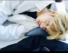 Sleeping Hyungwon~