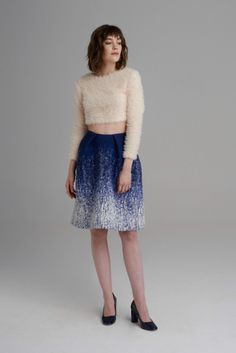 Knee length A-line skirt from gradient woven fabric. With folded details on the waist and handy pockets. Lace Skirt, Sequin Skirt, A Line Skirts, Woven Fabric, Anna, Sequins, Style, Fashion, Swag